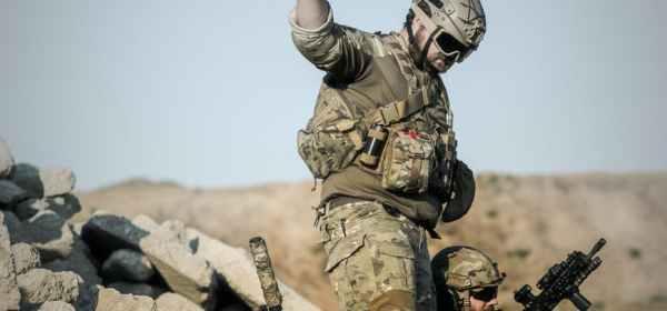 war-desert-guns-gunshow-163489.jpeg