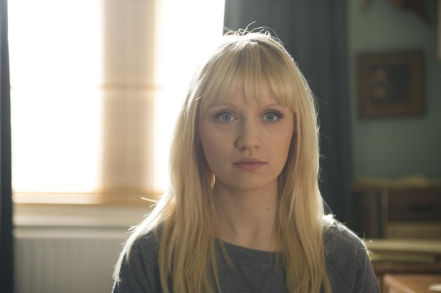 uktv-humans-episode-6-still-03