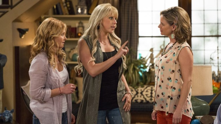 Left To Right: D.J Tanner (Candace Cameron Bure), Stephanie Tanner (Jodie Sweetin) and Kimmy Gibbler (Andrea Barber)