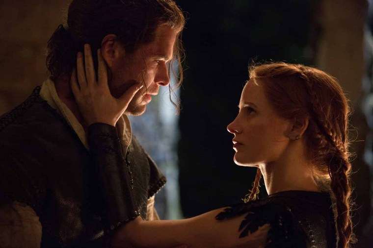 The Huntsman (Hemsworth) and Sara (Chastain) (The Huntsman: Winter's War, Universal Pictures)