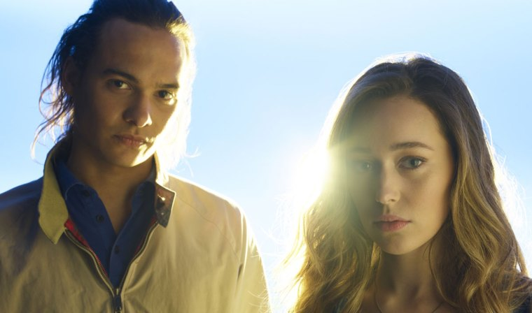 Nick (Frank Dillane) and Alicia (Alycia (Fear The Walking Dead, AMC Network)