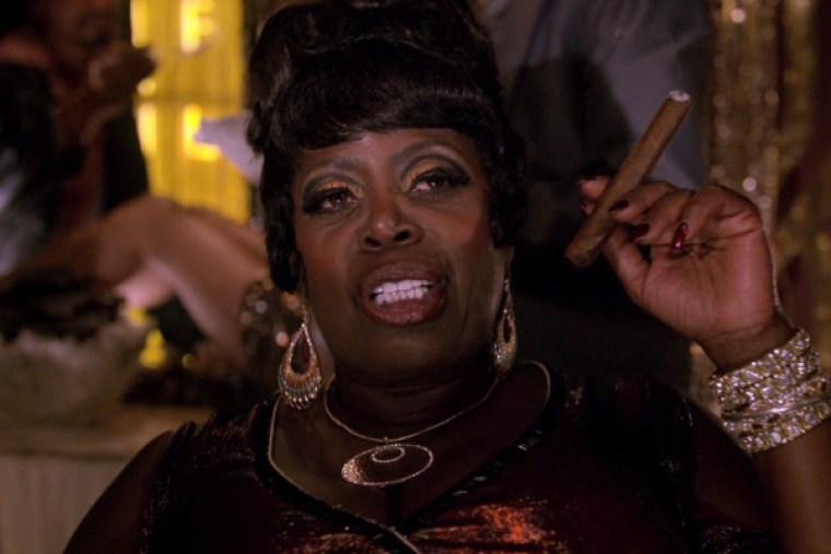 Local mobster and kingpin Fat Annie (Lillias White) (The Get Down, Netflix)