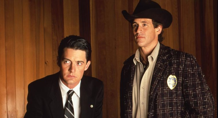 Agent Cooper (Kyle MacLachlan) and Sheriff Truman (Michael Ontkean) (Twin Peaks, ABC Studios)