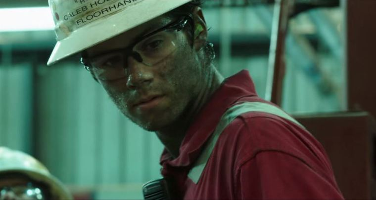 Dylan O'Brien's Caleb Holloway in Deepwater Horizon (Deepwater Horizon, Lionsgate Entertainment)