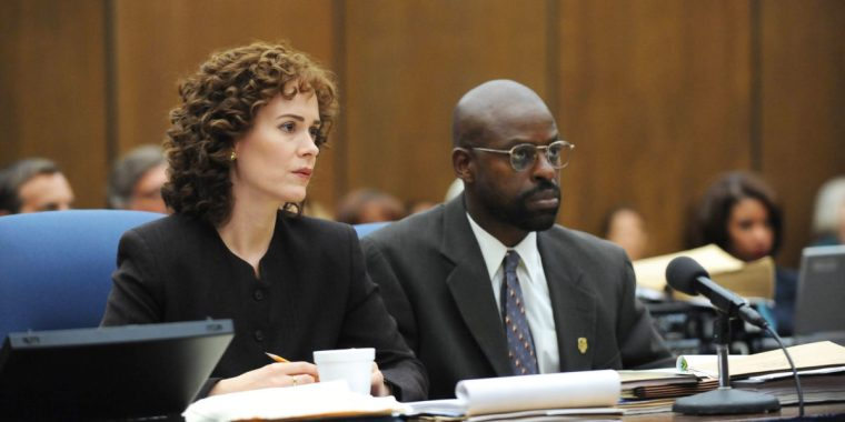 The stern Marcia Clark (Sarah Paulson) with intelligent and softly spoken Christopher Darden (Sterling K. Brown) (The People V. O.J. SImpson: American Crime Story, FX)