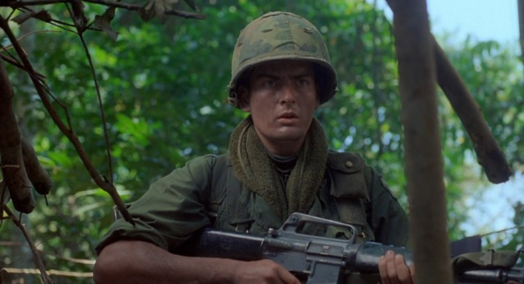 The young and naive Chris Taylor (Charlie Sheen) (Platoon, Orion Pictures)