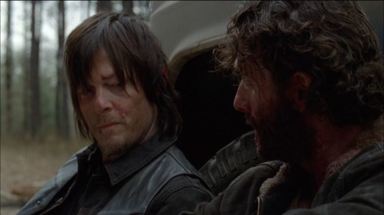 Daryl Dixon (Norman Reedus) having a chat with Rick Grimes (Andrew Lincoln) (The Walking Dead, AMC)