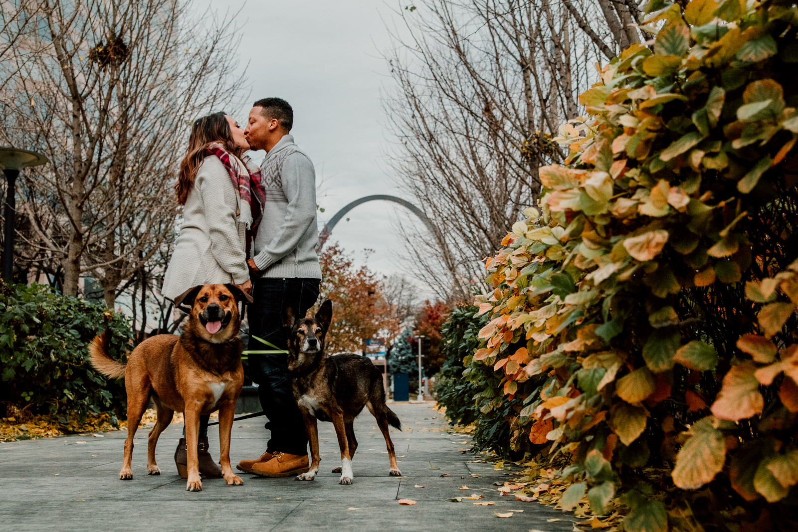 NATASHA-ARRO-ENGAGEMENT-PHOTOGRAPHY-CITY-GARDENS-ST-LOUIS-NORTH-ARROW-CREATIVE-5SR_2656-0055