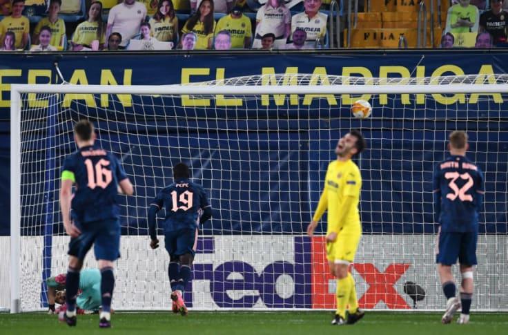 Nicolas Pepe scores his penalty against Villarreal in the Europa League Semi final