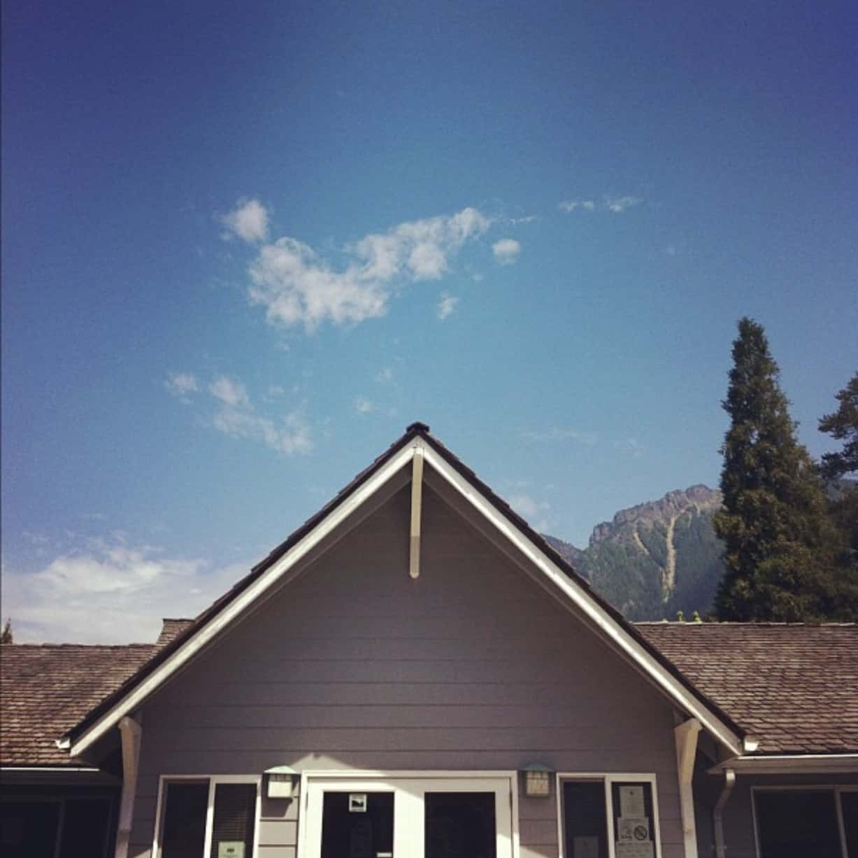 Snoqualmie Ranger Station