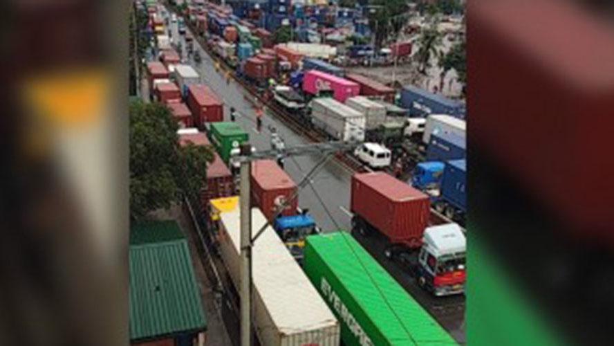 Massive traffic jam hits Manila Friday