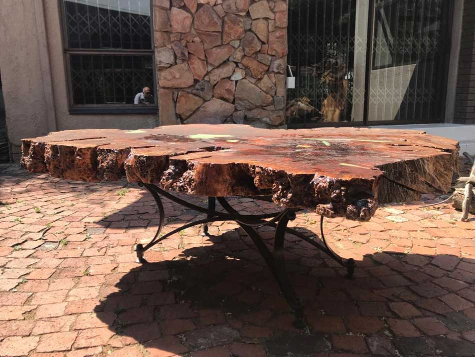 The-completed-table-1.70m-x-0,65m-high