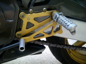 20150825 2006 bimota sb8k santamonica left footpeg detail