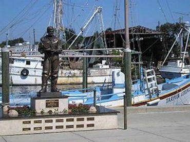 290px-Tarpon_Springs_statue