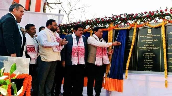 Assam: Gadkari, Sonowal lays foundation of Majuli anti-erosion projects