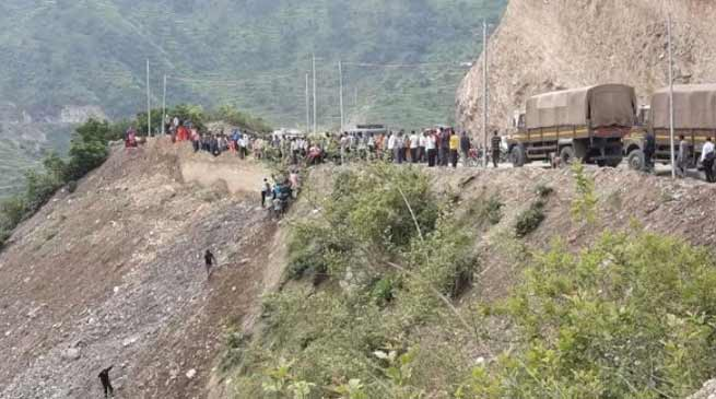 Uttarakhand: Bus falls in to Gorge,14 killed,18 injured