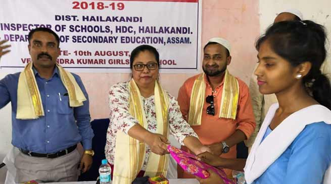 Assam:  Students of govt schools receive free textbooks in Hailakandi