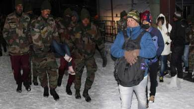 Sikkim:  Indian Army rescues 2,500 tourist stuck due to heavy snowfall near Nathula
