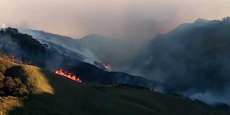 Nagaland- IAF deploys Mi 17 helicopter to control fire at Dzukou Valley