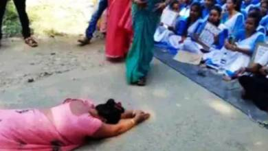 Assam: Female Teacher forced to kneel down before students in Tinsukia