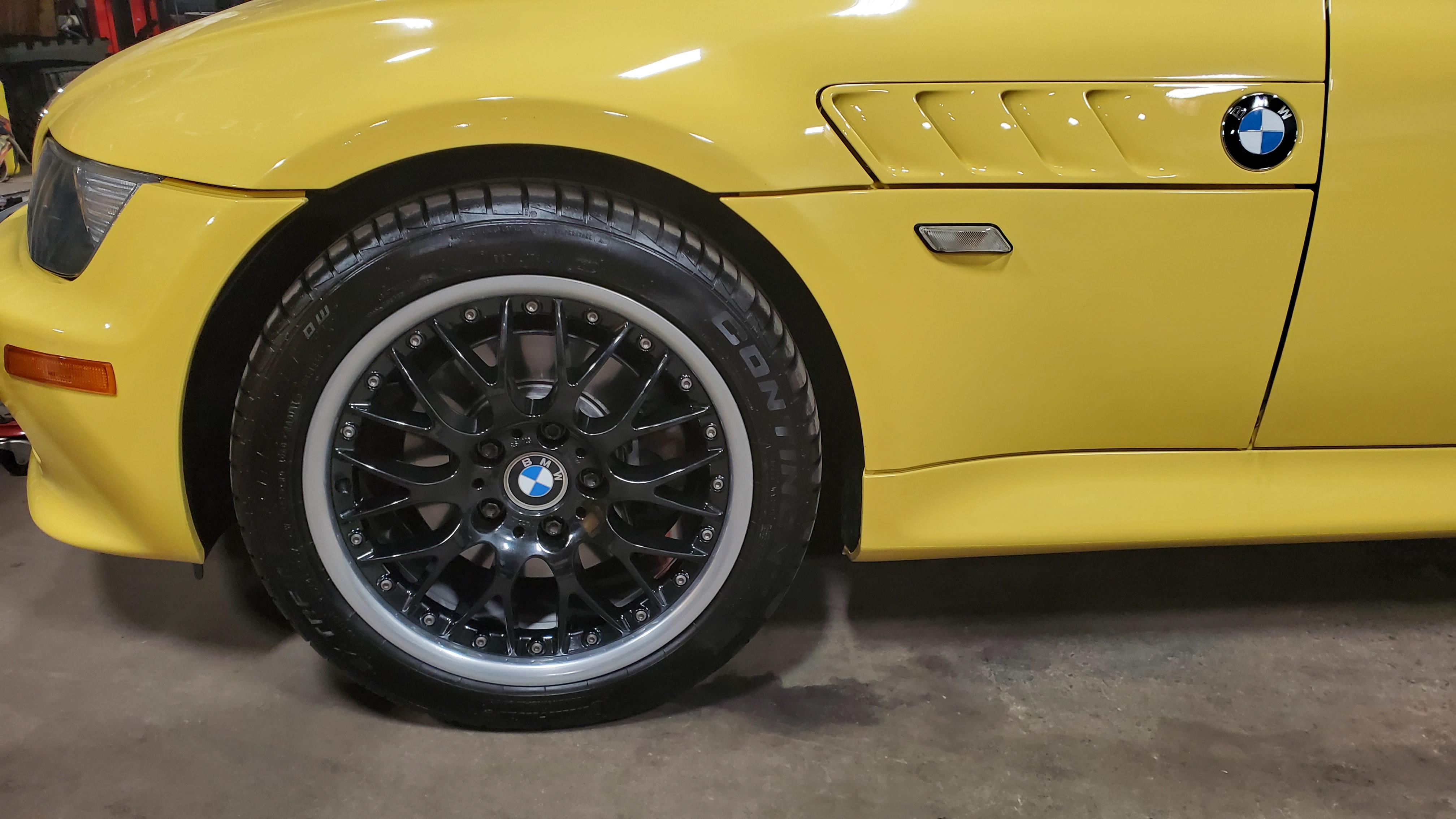 BMW Wheel Repair Gloss Black Rims