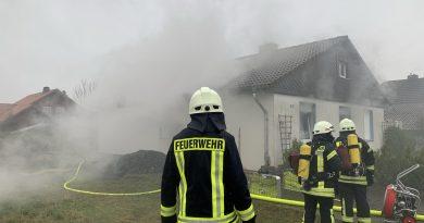 Akku explodiert und setzt Keller in Hullersen in Brand