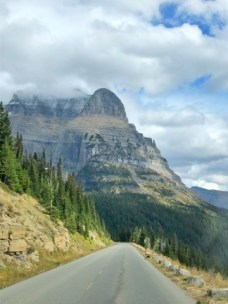 straight view going to the sun road glacier national park