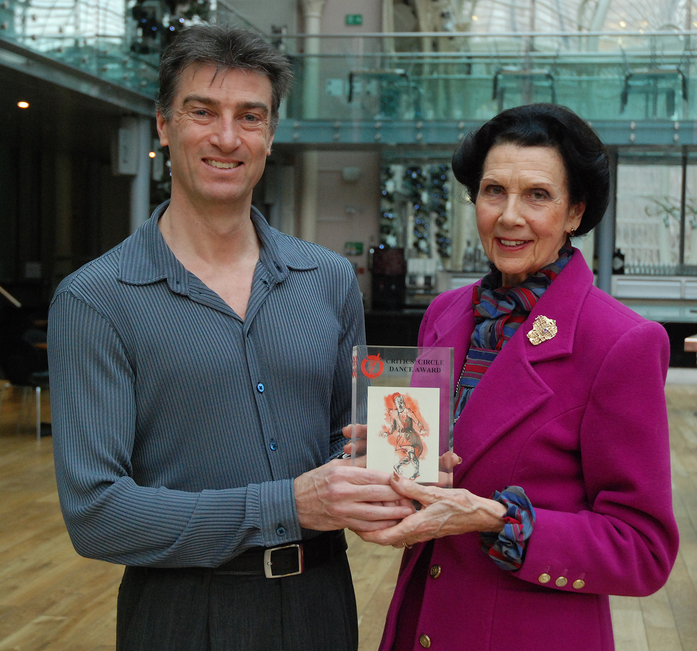 David Nixon receives the award from Dame Beryl Grey. Photo by John Ross