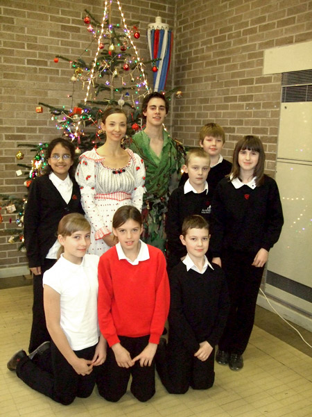 Anna Blackwell & Daniel Clarke with pupils from Armley Primary School, Leeds