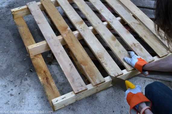building an easy pallet deck northern