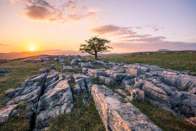 Winskill Stones, Langcliffe by Dave Zdanowicz