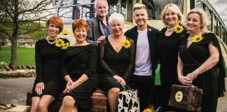 Tim Firth, Gary Barlow and the cast of Calendar Girls