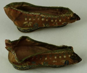 Decorated slippers