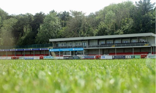 dover athletic crabble
