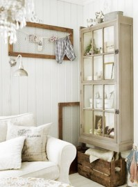 Use old wooden items as decor - http://desdemventana.blogspot.co.uk/