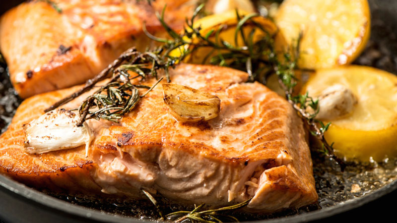Salmon-in-cast-iron-griddle