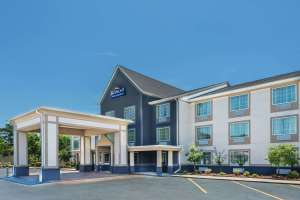 Exterior of Baymont Inn and Suites North Little Rock, Arkansas
