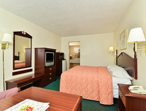 Super 8 North Little Rock Arkansas - king room