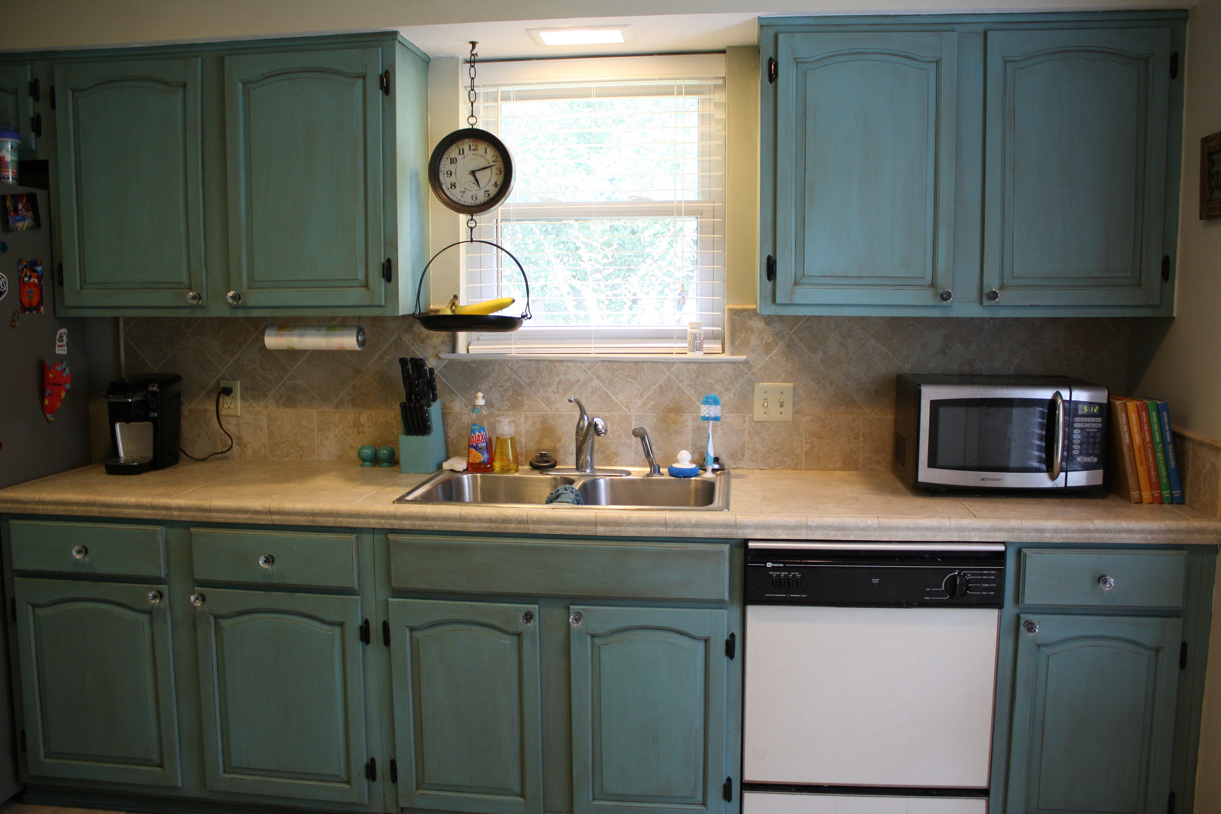 Painting kitchen cabinets with annie sloan chalk paint - Painted kitchen cabinets images ...