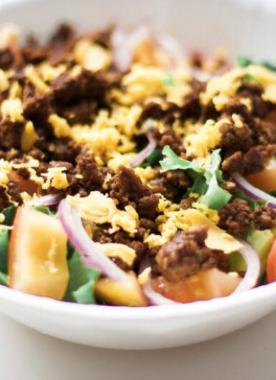 Low carb taco bowls are perfect for weight loss and staying on track. Made with spices from your cupboard, this homemade lunch or dinner recipe is super easy and will satisfy cravings guilt-free! Fitness Meals | Quick Recipes | Easy Dinner Recipes | Healthy Lunch Recipes | Wholesome | Taco Seasoning | Salad | Taco Salad | Taco Salads | Gluten-Free Tacos | High Protein | Cooking with Spices | Healthy Salad | Mexican Food | From Scratch | Keto Tacos | Keto Diet | Ketogenic |