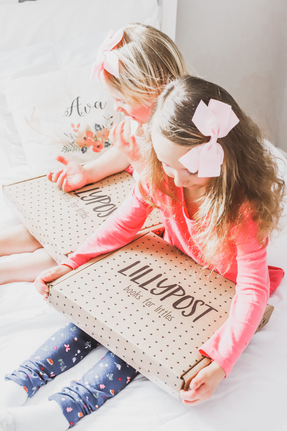 Lillypost is a book subscription service (in Canada and the US) to help build your child's library and encourage little readers to keep on reading. Read the review! Motherhood   Parenting   Subscription Box   Learn to Read   Babies   Toddlers   Board books   Picture books   Save money   Affordable   Preschool   Elementary School   Learning   Education   Modern Parenting  