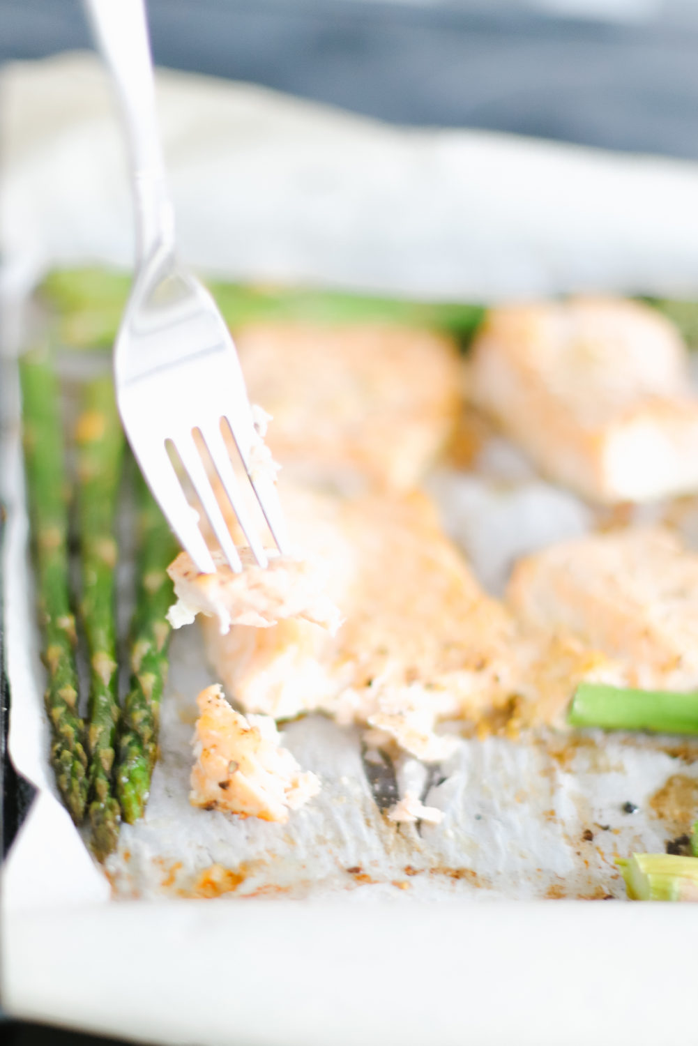 Quick, healthy, and made with mouthwatering ingredients. A clean-eating dinner recipe that's keto, low carb, paleo friendly, and simple for anyone to make. Seafood Dinner | One Pan Dinner | One Sheet | Oven Baked Salmon | Quick Dinners | Easy Dinner Recipes | Healthy | Low Carbs | Weight Loss | Clean Eating | Family Recipes | Kid-Friendly