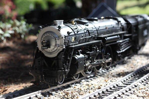 art-1114-trains2