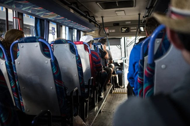 Bus to Volcán Poás from Alajuela