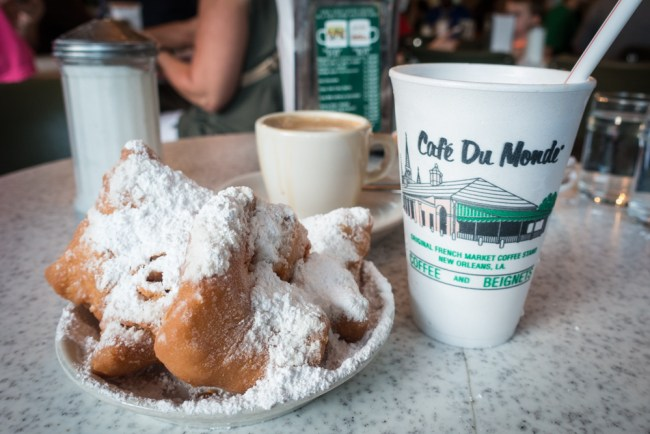 Cafe Du Mondé beignets in the New Orleans French Quarter