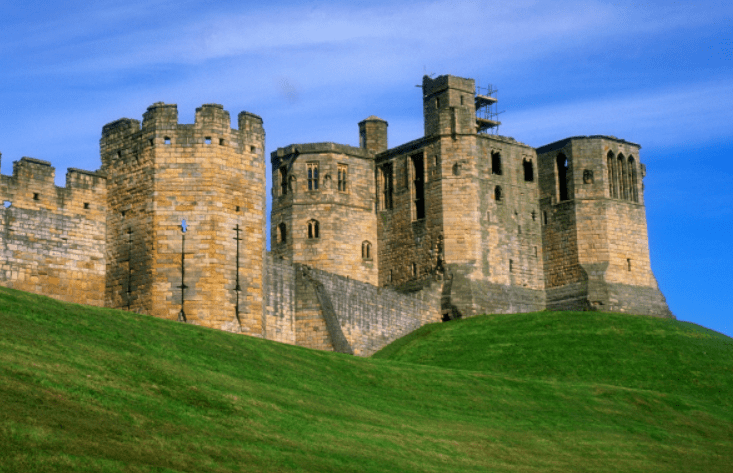 "<a href=""https://www.english-heritage.org.uk/visit/places/warkworth-castle-and-hermitage/"">Warkworth Castle</a>"