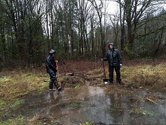 Two landscapers volunteering at Chico Salmon Park