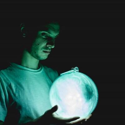 Catching Comets – Pleasance Theatre