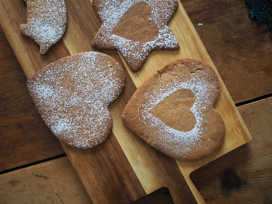 Old Fashioned Pepperkaker (Norwegian Gingerbread)