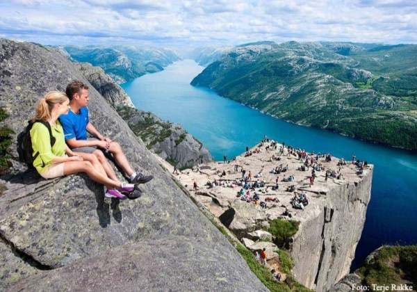 Views from Preikestolen at the Iconic Peaks trip
